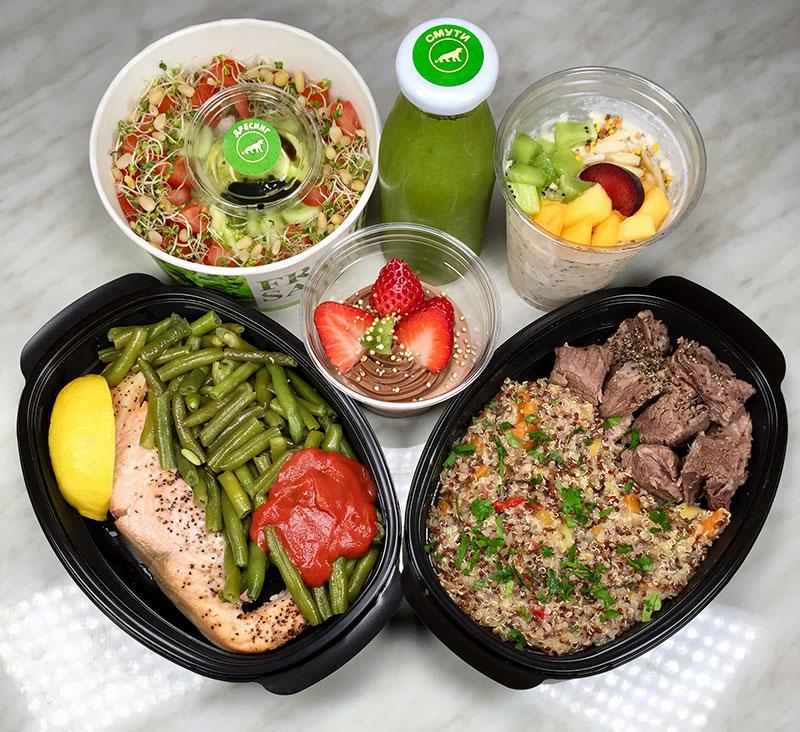здравословно меню близък план - 2 основни, салати, смути и десерт