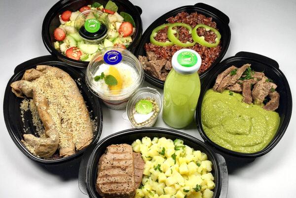 високопротеиново меню с телешко, червен ориз, риба тон, варени картофи, грахово пюре, кълнове от броколи