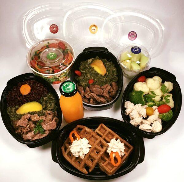 Високо протеиново меню с гофри от броколи, телешко и пуешко месо