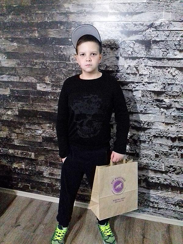 младо момче след хранителен режим с Fit Panther