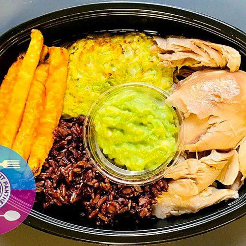 Пуешко филе с черен императорски ориз, целина и гриловани зeленчукови кюфтета от тиквички