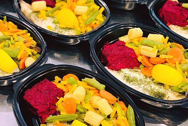 Риба лаврак, микс от зеленчуци с бейби царевички и специалитет на готвача