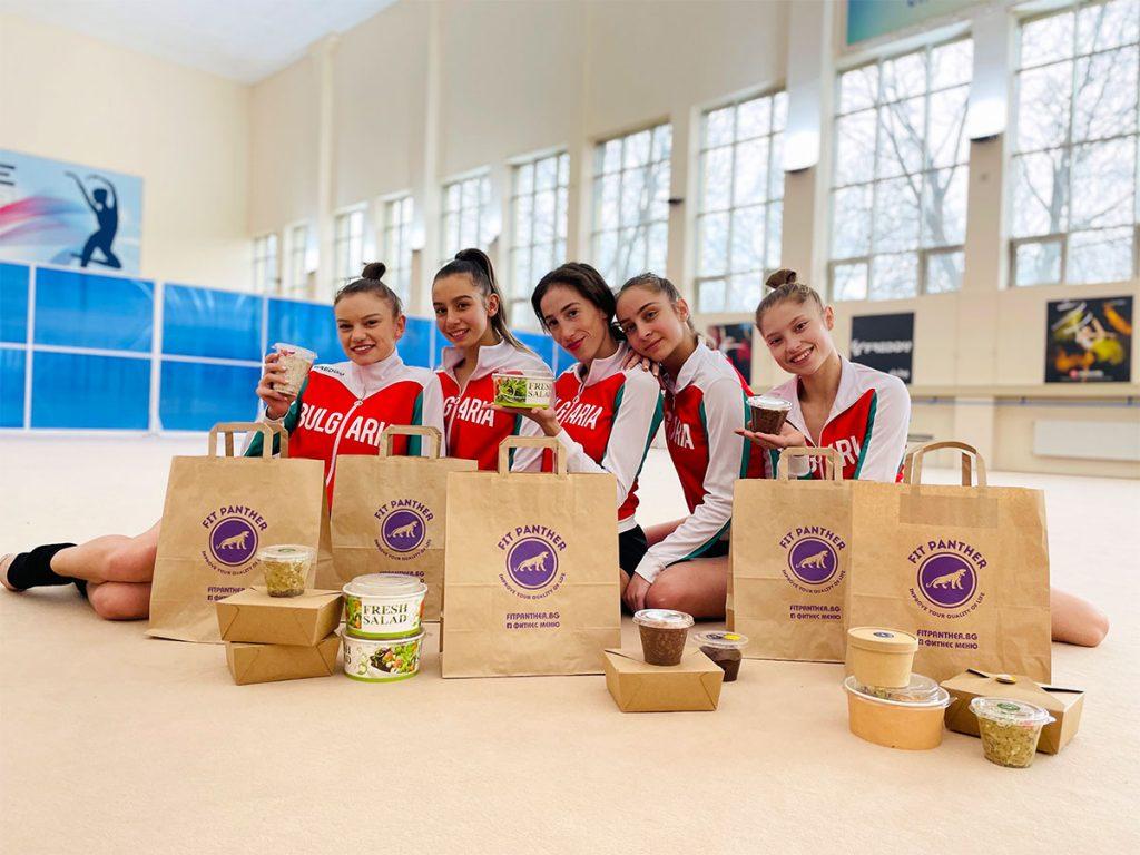 отбор момичета - клиенти на кухня Fit Panther