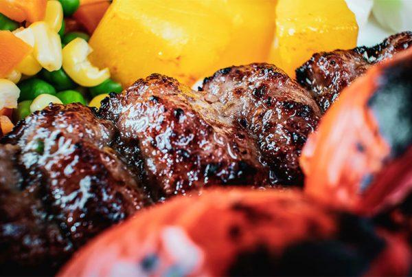 готвено месо за кето диета в близък план