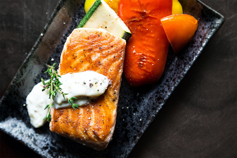 риба - препоръчително сготвена за кето хранене