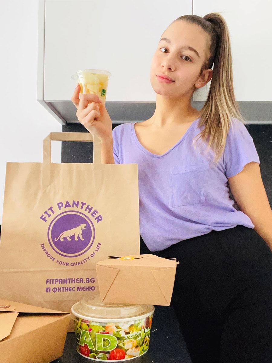 Златното момиче на България Мадлен Радуканова с меню от Здравословна кухня Fit Panther